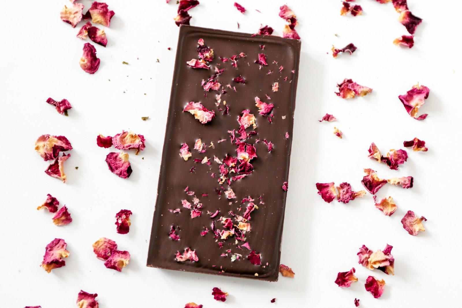 tablette aux pétales de roses